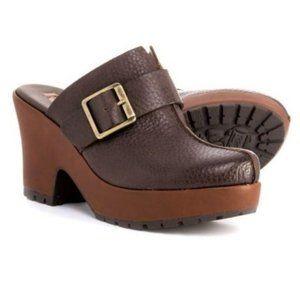 Korks Kork Ease Mantha Brown Leather Buckle Clogs